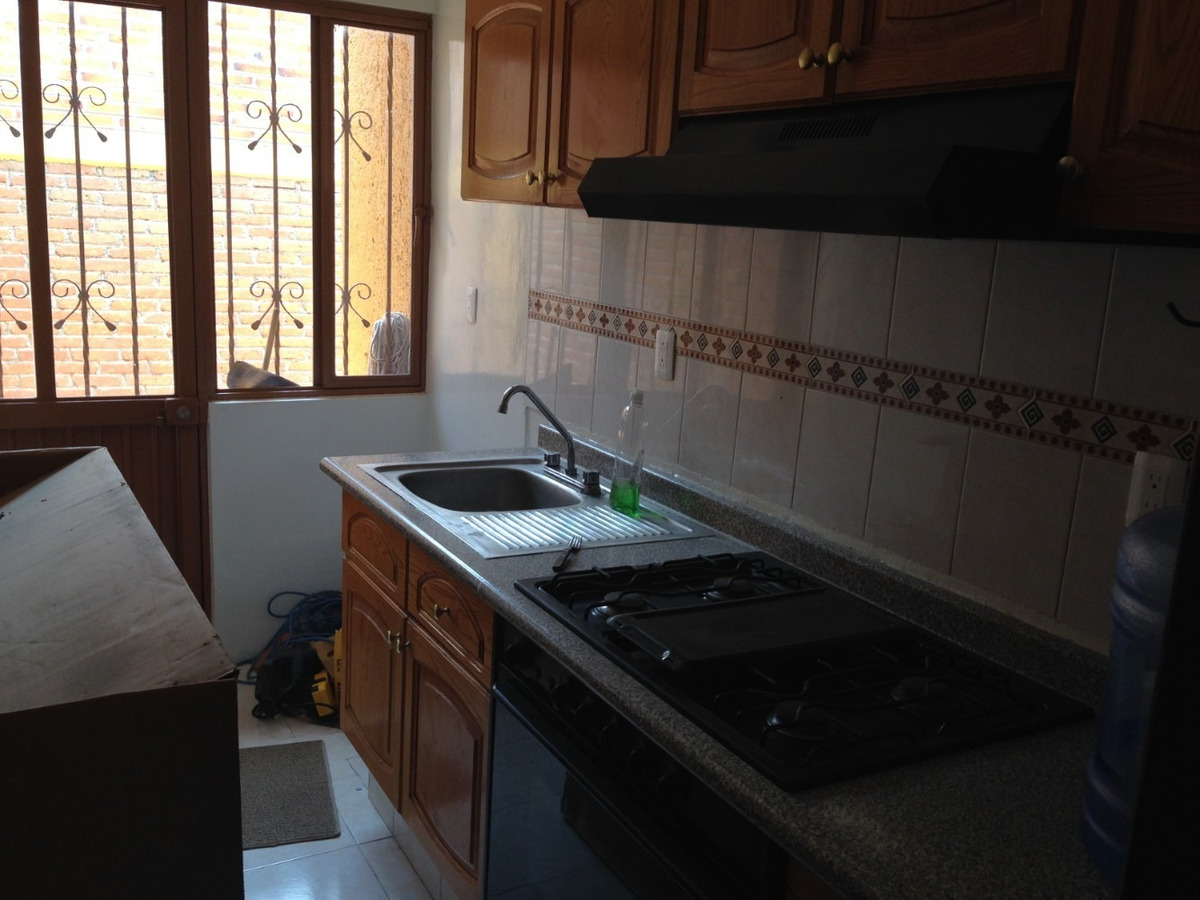 casa 3 recàmaras, cocina integral, un baño, recibidor techad