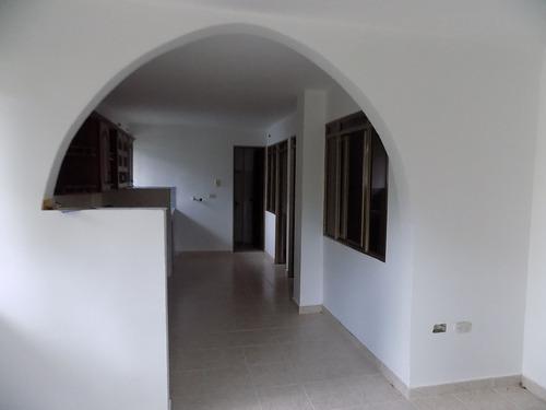 casa 3 viviendas independientes poblado ii