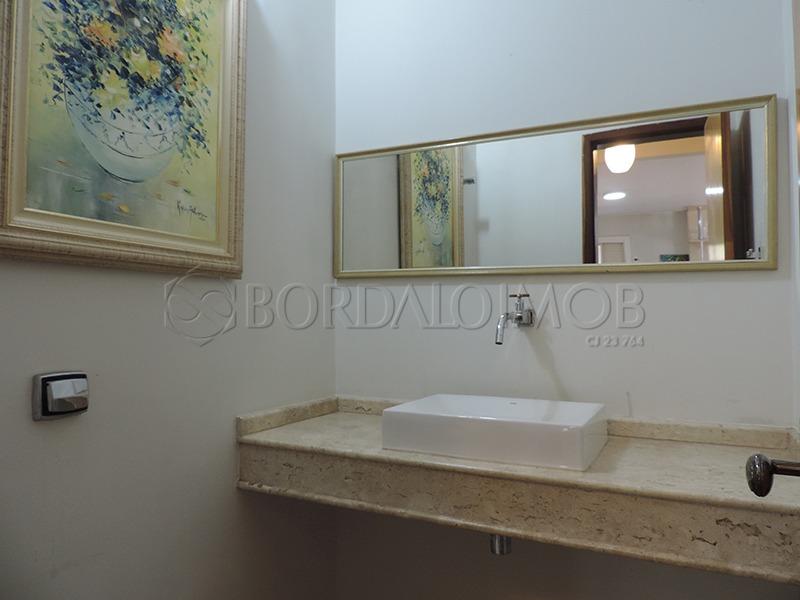 casa 300m² com 03 suítes, piscina de raia e espaço gourmet completo! - villa117906