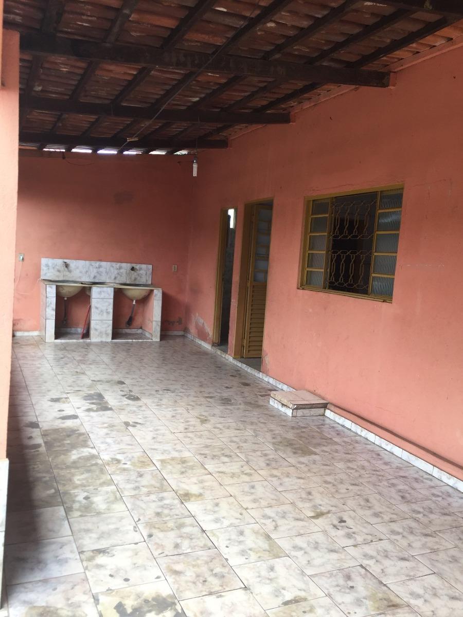 casa 3/4,+ barracão + sala comercial, lote c/ duas frente.