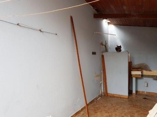 casa, 350 metros do mar com 2 quartos, de esquina, ótima!