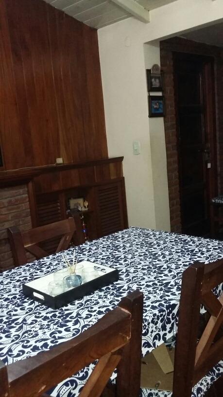 casa 4 amb. 2 hab. 2 baños living comedor cocina cochera