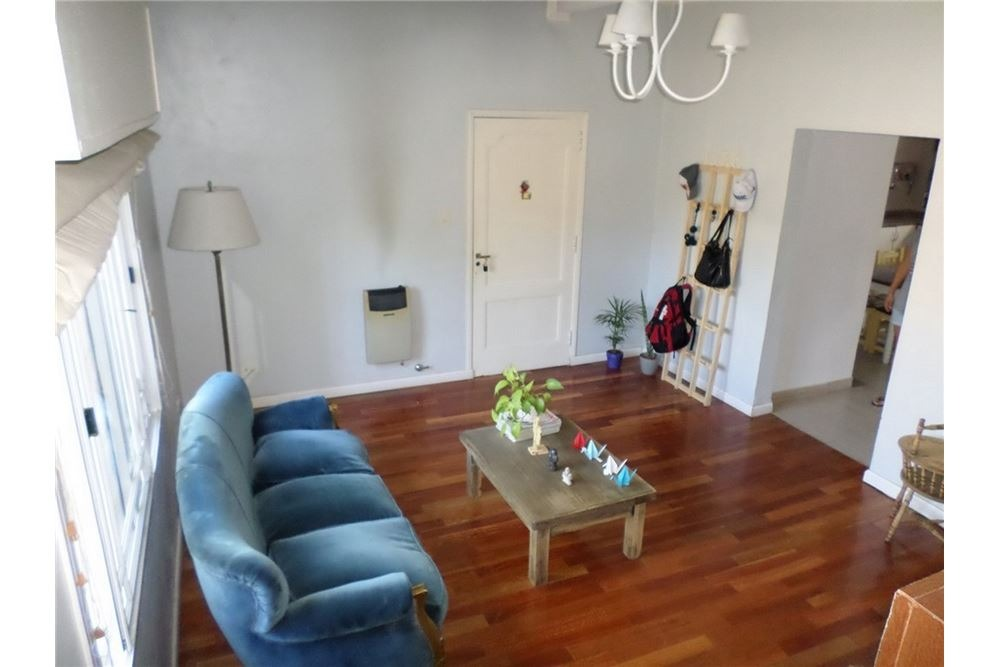 casa 4 amb 2 plantas, cochera, parrilla y lavadero