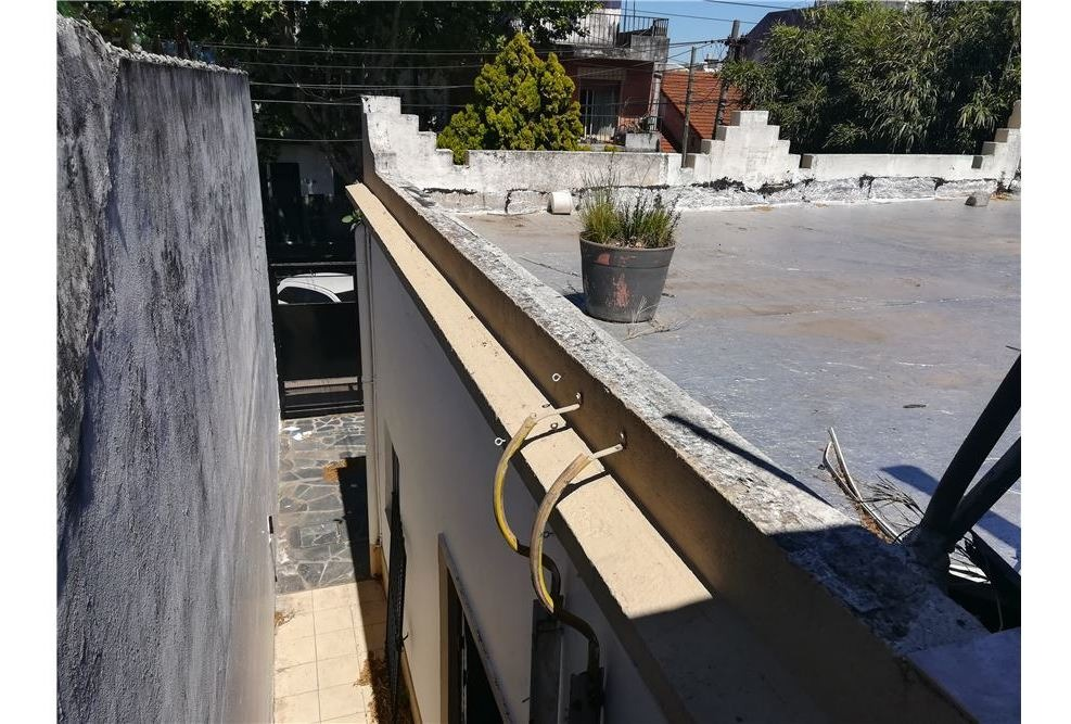 casa 4 amb- a reciclar-patio, terraza y cochera