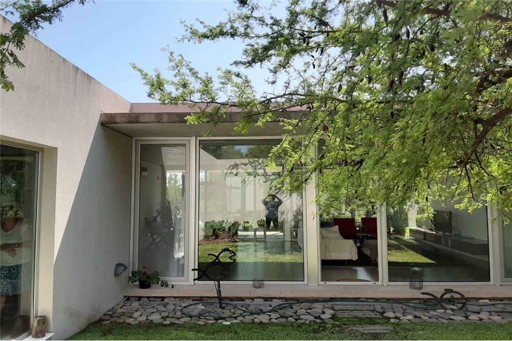 casa 4 amb cocheras jardín pileta depcias