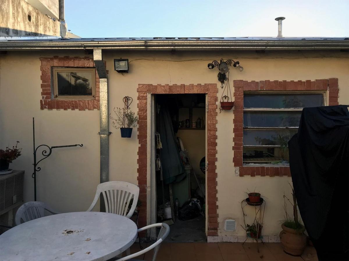 casa 4 amb con 2 locales en zona comercial - colombres 1223