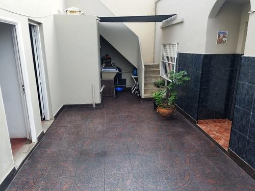 casa 4 amb con cochera en venta en enrique fernandez 4193