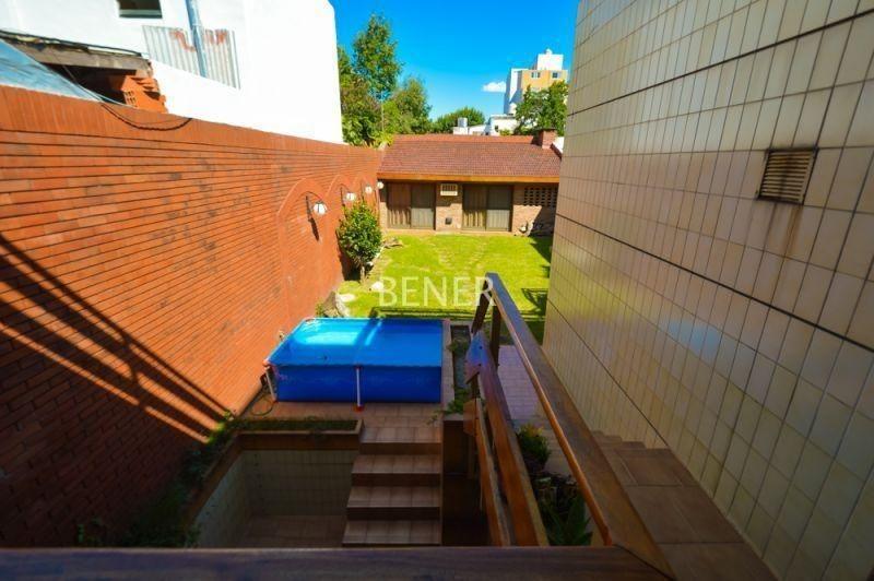 casa 4 amb jardin, quincho, parrilla y garage p/2 autos!