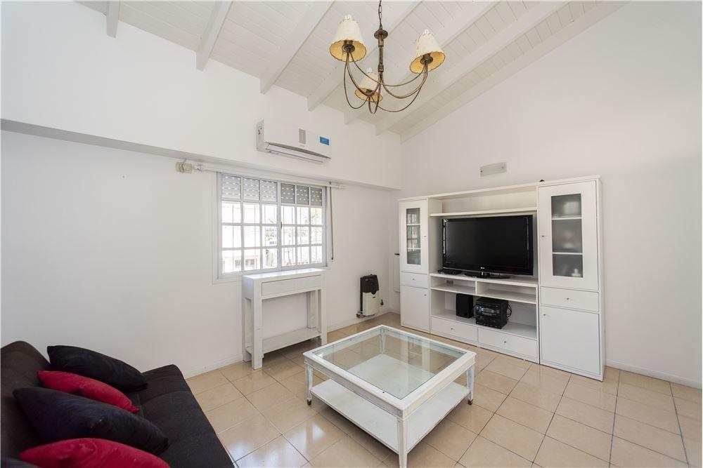 casa 4 amb (ph) 145m2/ patio / 2 garage /reciclado