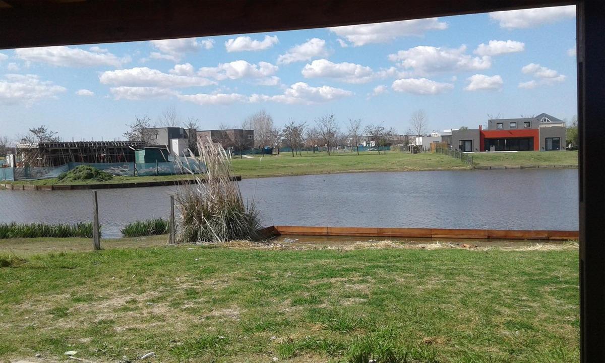 casa 4 ambientes a la laguna, el canton