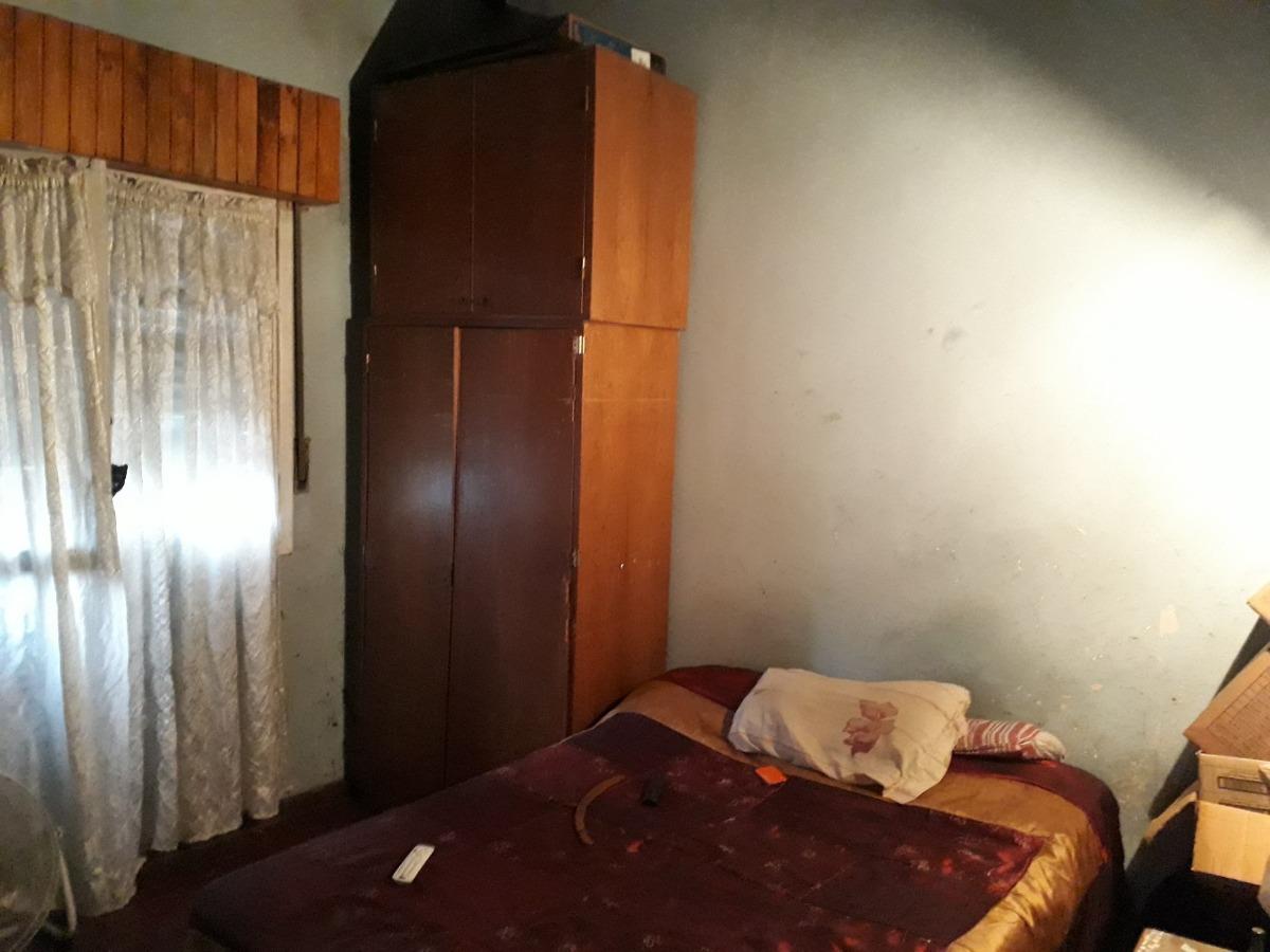 casa 4 ambientes ### a reciclar ### apta crédito ### burzaco