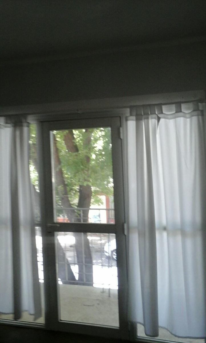 casa 4 ambientes, apta para vivienda y comercio, con terraza
