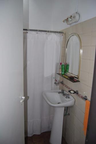 casa 4 ambientes + casa 3 amb en berazategui - f.iha