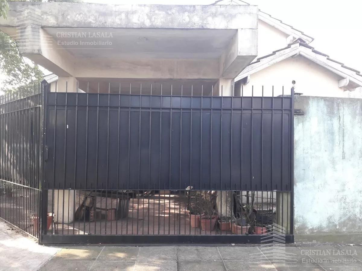 casa 4 ambientes - castelar