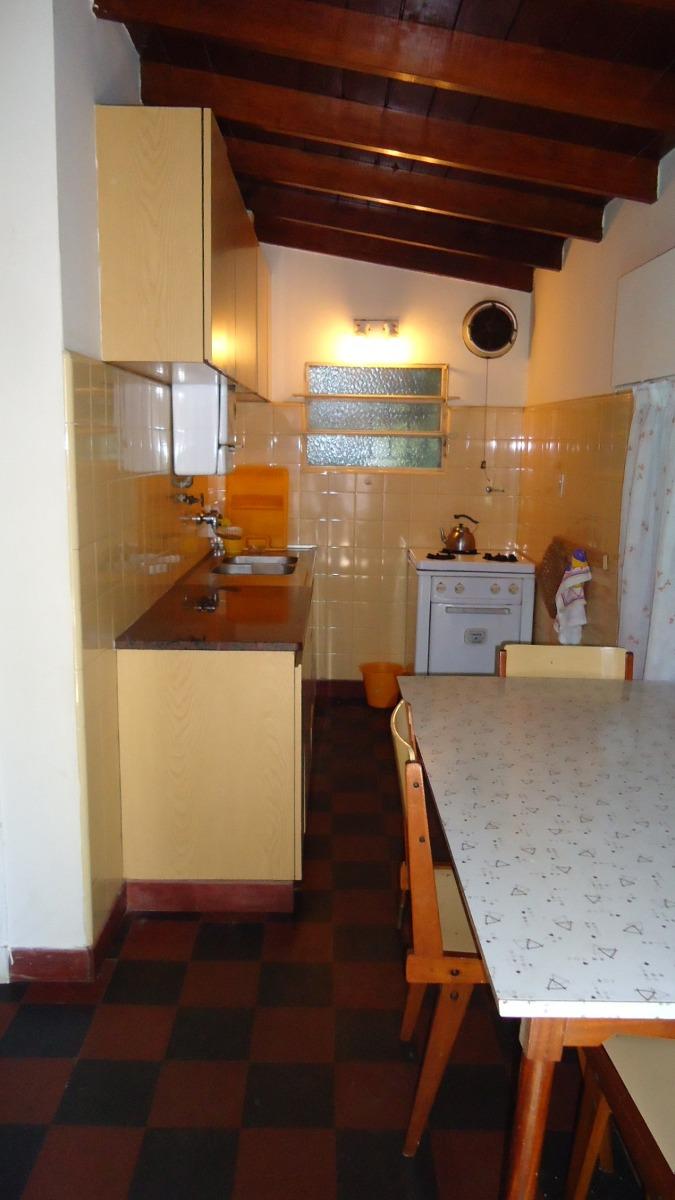 casa 4 ambientes céntrica. apto crédito bancario