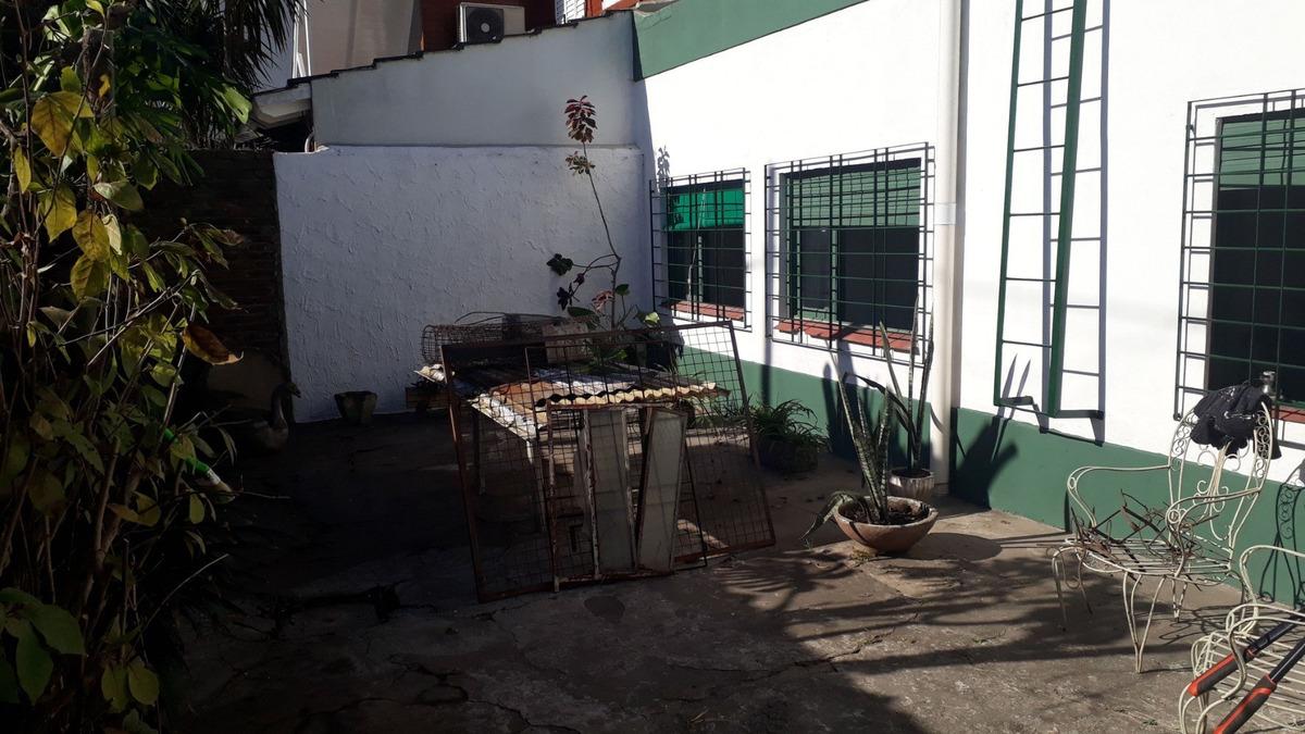 casa 4 ambientes cochera refaccionar recicla villa luzuriaga