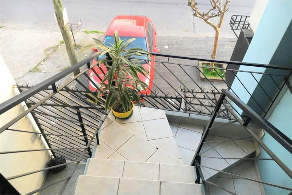 casa 4 ambientes cochera terraza  patio cubierto
