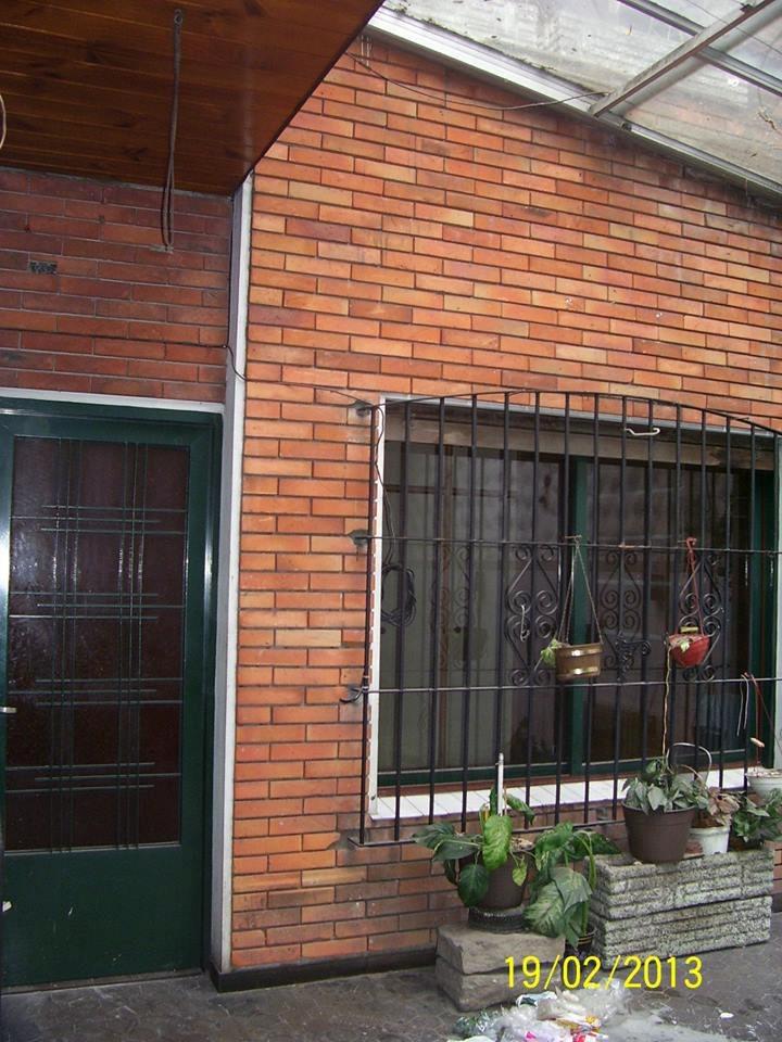 casa 4 ambientes con cochera, patio y terraza con quincho