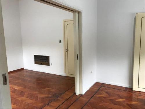 casa 4 ambientes, con cochera, quincho y terraza