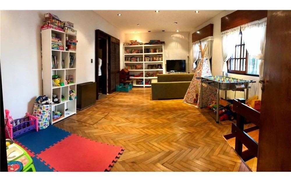 casa 4 ambientes con cochera y patio