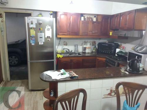 casa 4 ambientes con garage y quincho  lanús o.