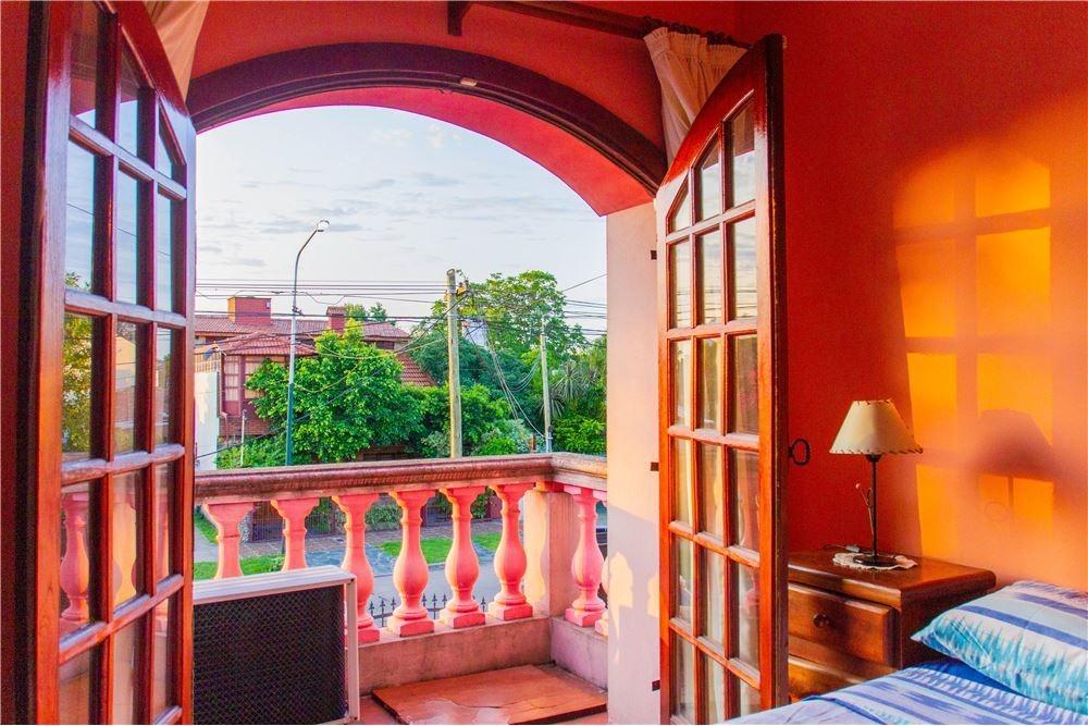 casa 4 ambientes con gran jardín quincho parrilla