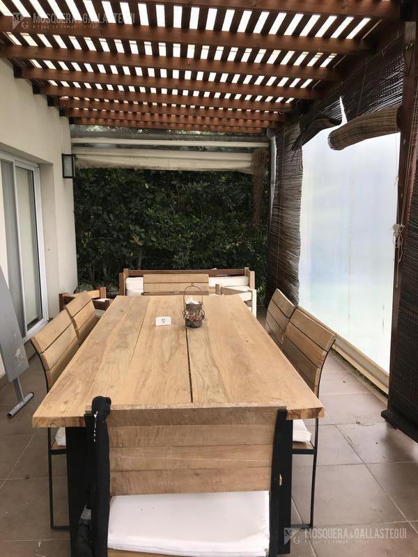 casa 4 ambientes con jardin- santa guadalupe pilar del este