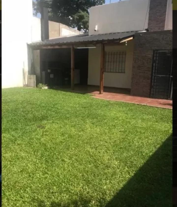 casa 4 ambientes con parque - ituzaingó