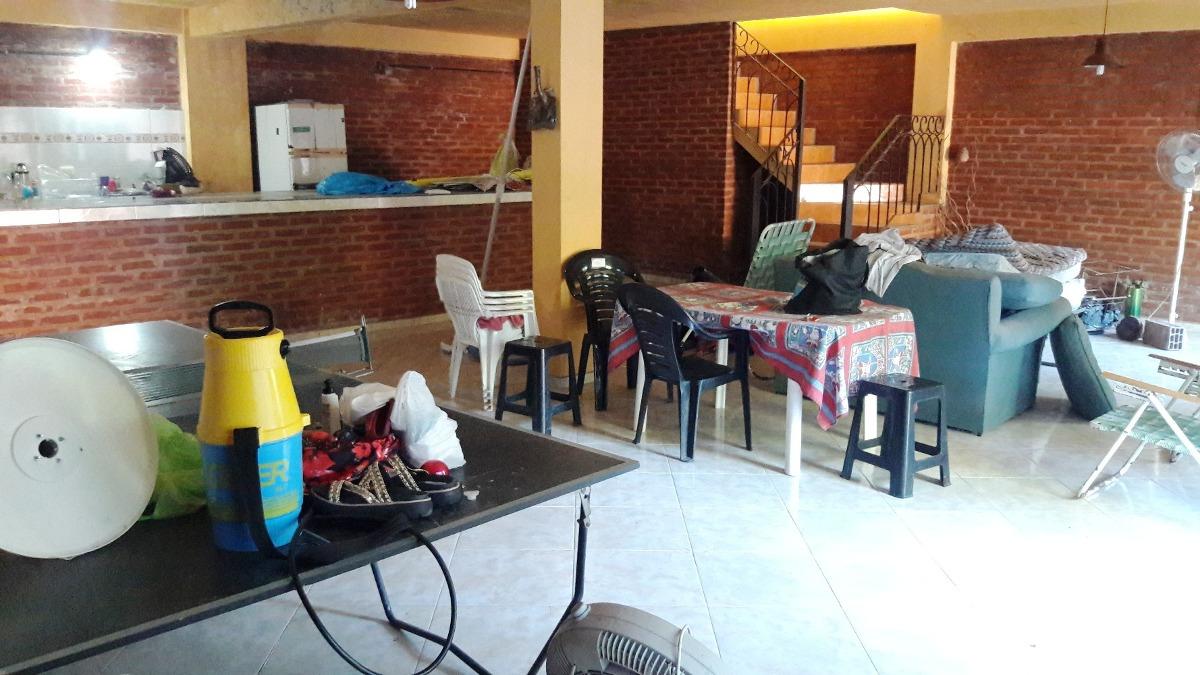 casa 4 ambientes con piscina venta