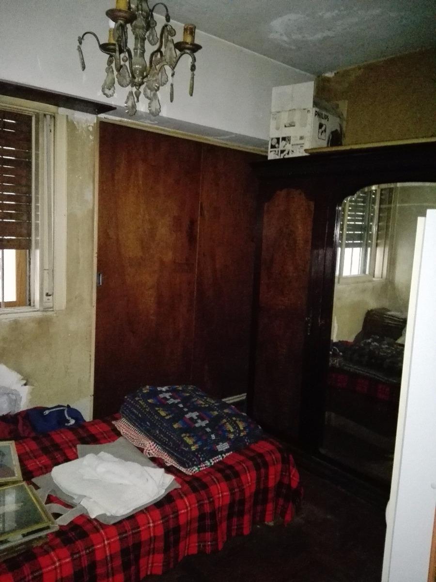 casa 4 ambientes consctipto bernardis al 50, adrogué