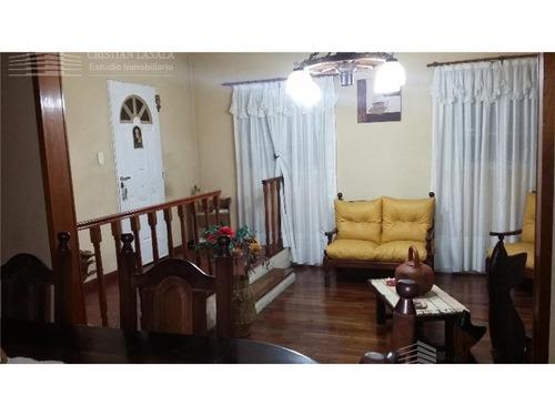 casa 4 ambientes en 2 plantas - ituzaingó