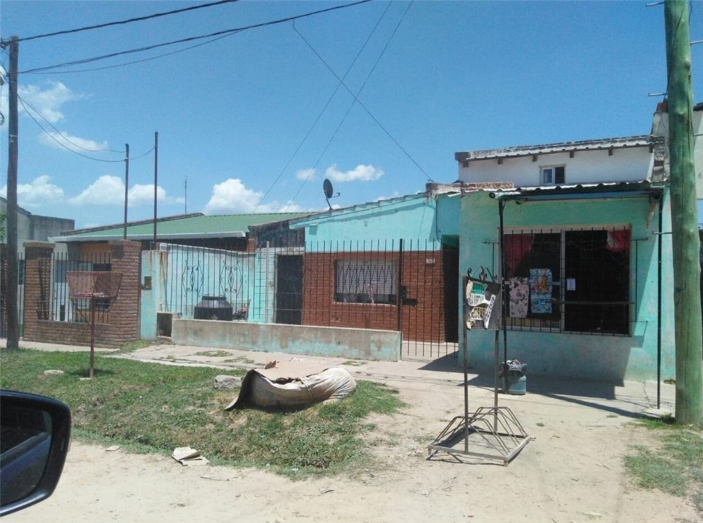 casa 4 ambientes en barrio villanueva