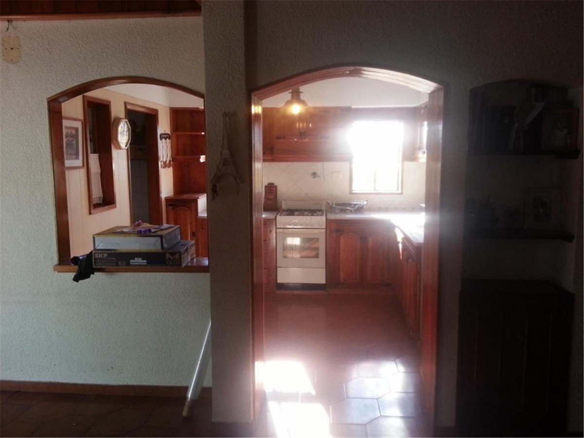 casa  4 ambientes en planta alta con fondo en venta