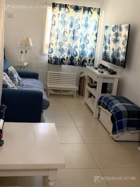 casa 4 ambientes en venta con jardin - las lomas de san isidro - la horqueta