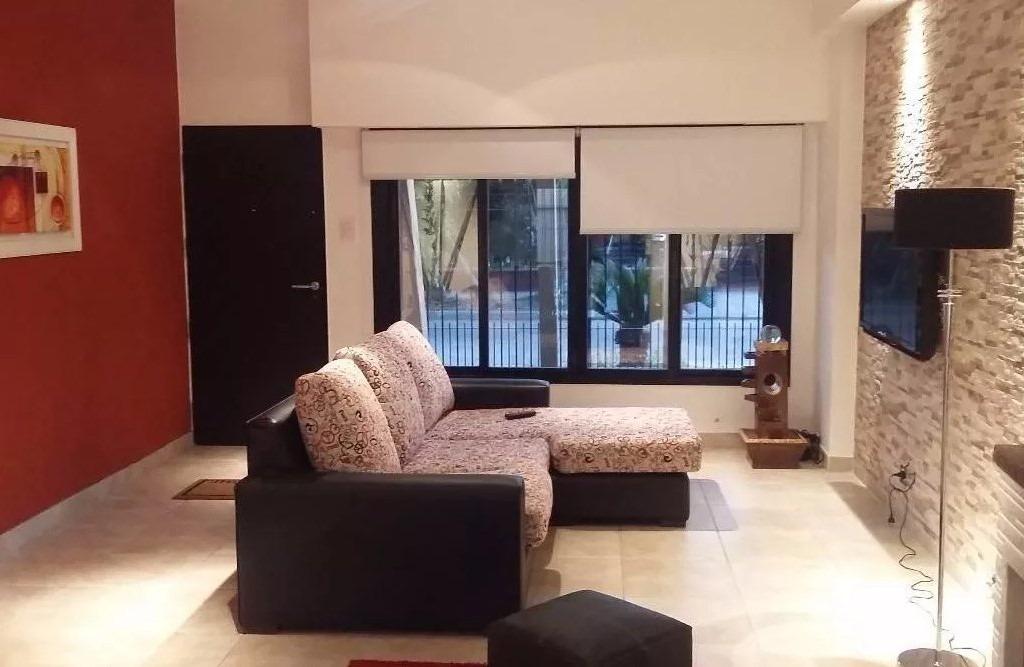 casa 4 ambientes/ fondo con piscina/ todo impecable!
