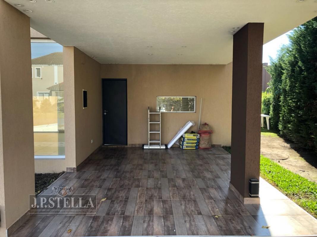 casa 4 ambientes, garage, quincho y pileta - lote  800 m² - 180 m² cub. - alquilada - san patricio