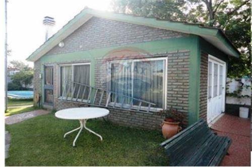 casa 4 ambientes josé c. paz con cochera, patio, parque, pileta, quincho y parrilla