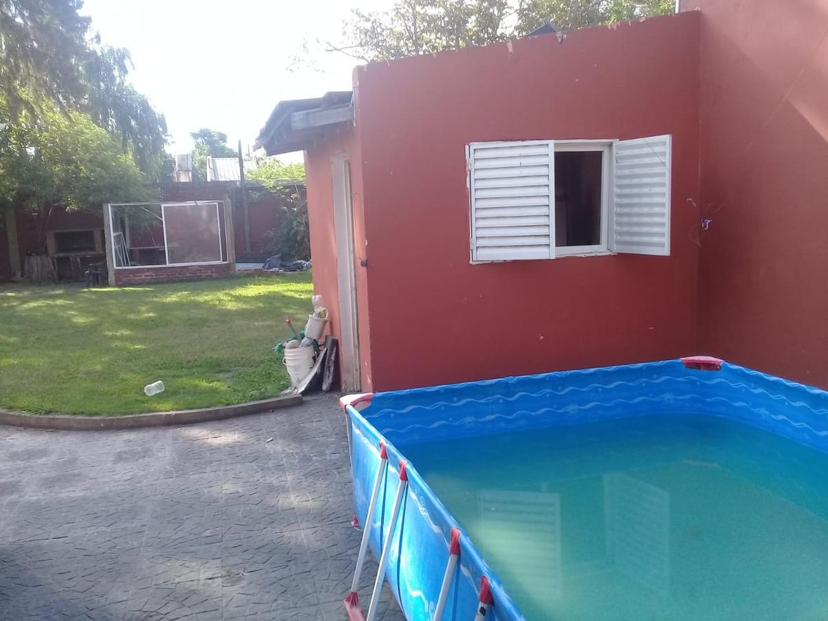 casa 4 ambientes villa udaondo. ituzaingo....