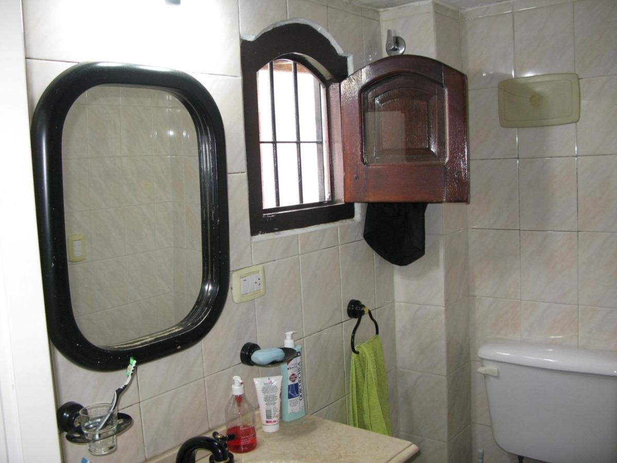 casa 4 ambientes y 2 baños