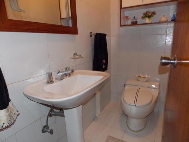 casa 4 ambientes y 5 baños