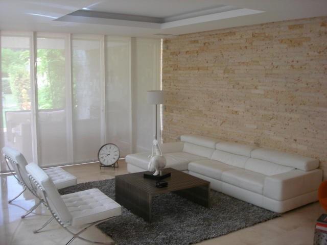 casa 4 ambientes y 7 baños
