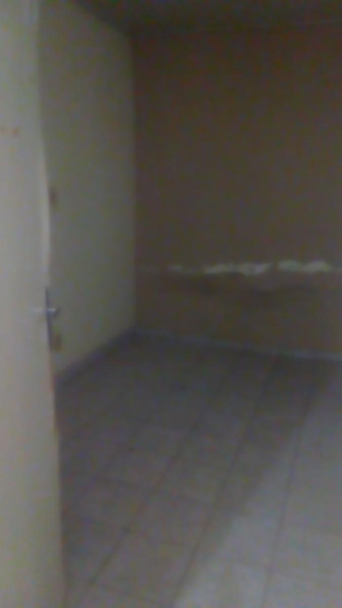 casa 4 comodos e um banheiro sala da fexar outro comodo