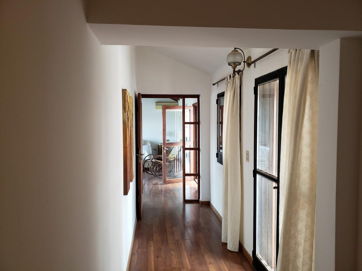 casa 4 d +  5 baños + pileta  + jacuzzi - a centeno