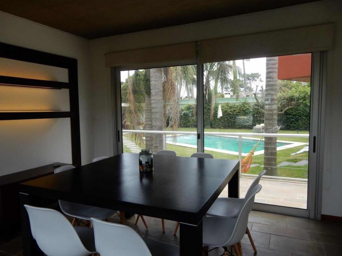 casa 4 dorm 100m playa piscina climatizada y serv gran vist