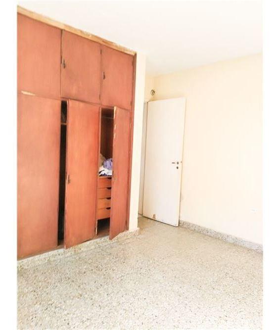 casa 4 dormit.  de 2 plantas barrio general paz