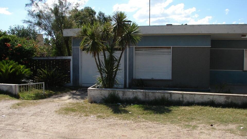 casa 4 dormitorios, 2 baños, garage