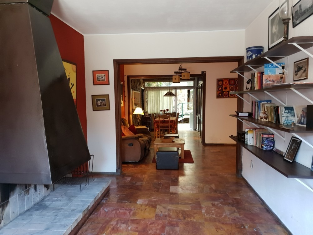 casa 4 dormitorios, 2 baños, garaje, patio con barbacoa