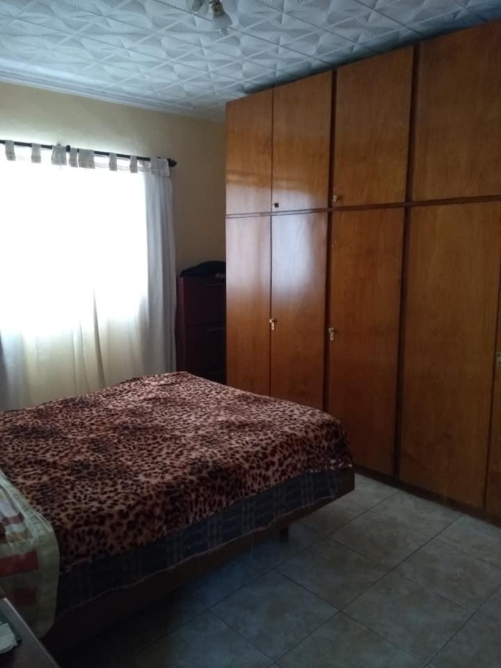 casa 4 dormitorios 2 baños muy amplia