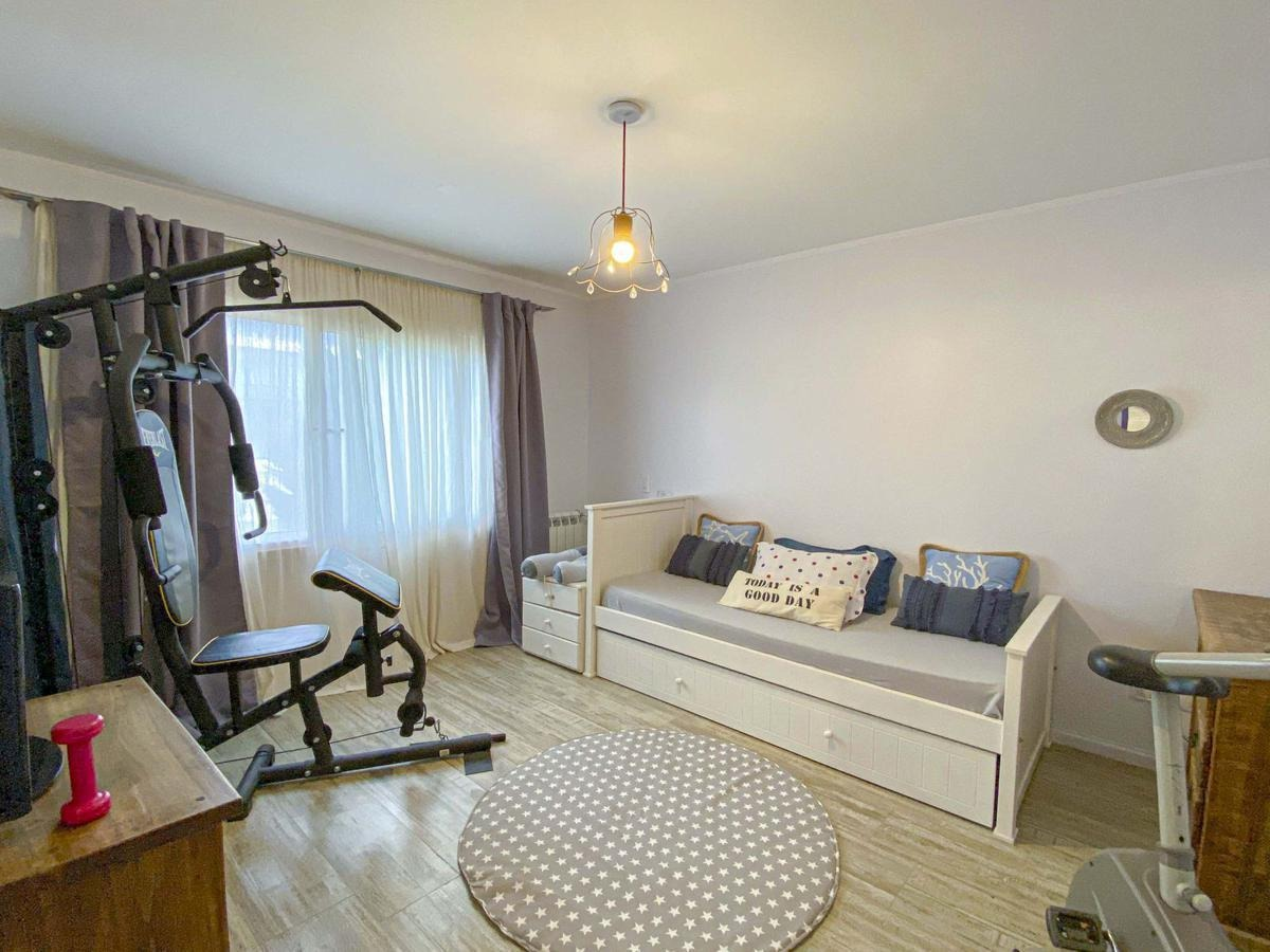 casa 4 dormitorios con pileta
