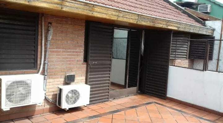 casa 4 hambitaciones, 3 baños, 2 cocheras, terraza, parrilla